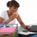 Why you Shouldnt Eat at your Desk